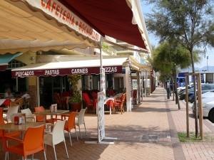 Strandpromenad restauranger